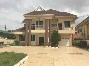 4bedroom house for rent at East legon
