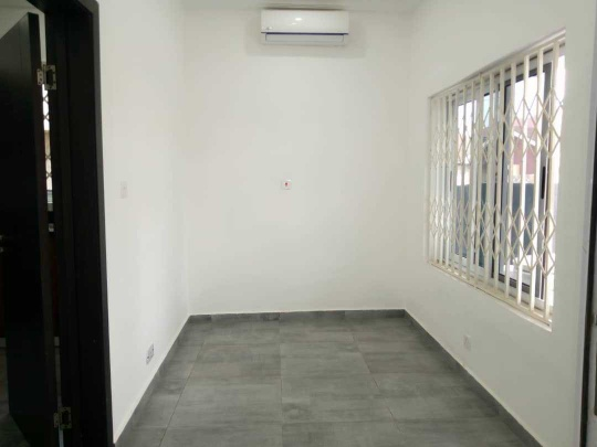 2bedroom apartment for rent at Adjiriganor Ability